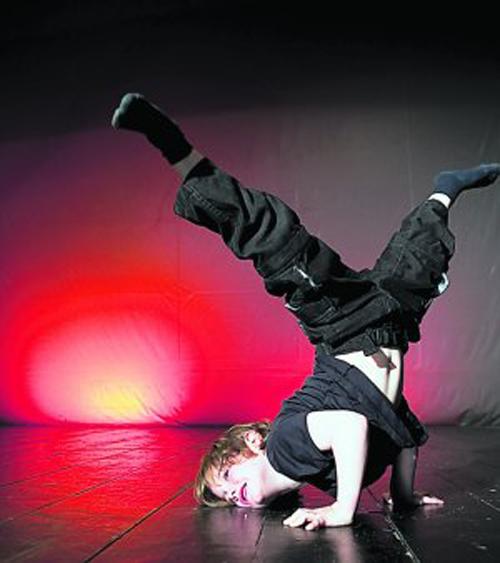 Clases de danza moderna, ballet, funky, hip-hop, break-dance o capoeira