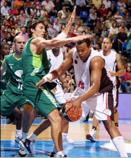 Unicaja consiguió su primera victoria en ACB
