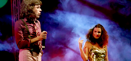 Javier Vela y Laura Insausti en plena actuación