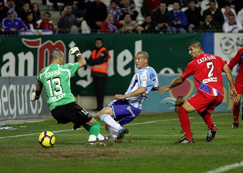 Baha le dio el triunfo al Málaga en los últimos minutos