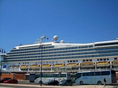 absolutmalaga.cruceropuerto e1291053723171 Málaga se encuentra muy interesada en el turismo de cruceros